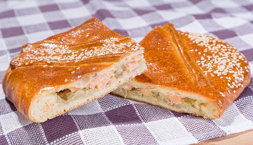 Рецепт пирога с вишней из слоеного теста с пошагово